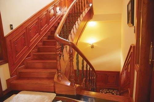 Sơn cửa gỗ, thợ sơn cửa gỗ nhà chuyên nghiệp